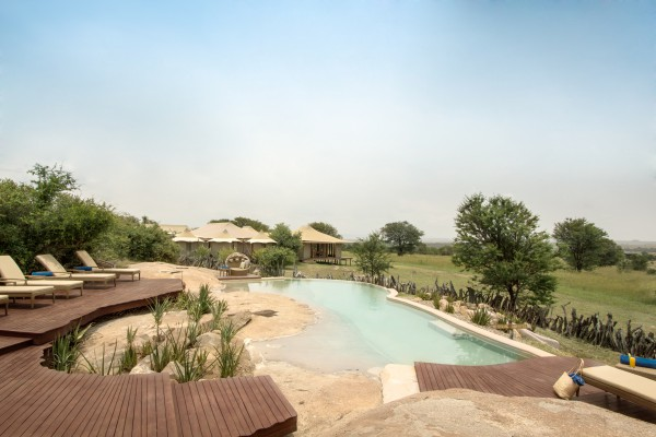 _sayari-camp-pool-area-view-from-rock-tracey-van-wijk-hr.jpg